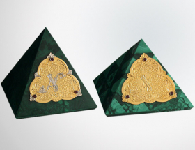 Пирамидки сувенирные (малахит) за штуку